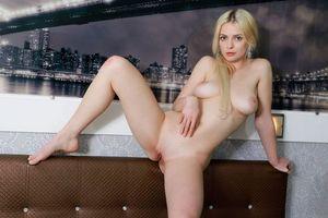 Бесплатные фото Angel Celine,модель,красотка,голая,голая девушка,обнаженная девушка,позы