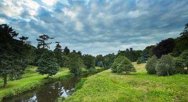 Бесплатные фото река,поле,небо,дорога,деревья,пейзаж