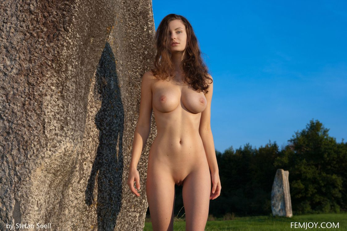 Фото бесплатно Susann, красотка, голая, голая девушка, обнаженная девушка, позы, поза, сексуальная девушка, эротика, эротика