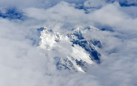 Photo free Everest from high, clouds, hill