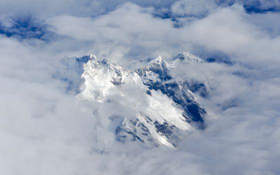 Заставки Эверест с высока, облака, холм