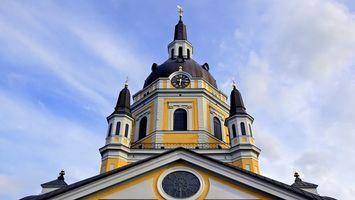 Бесплатные фото здание,церковь,облака,релгия