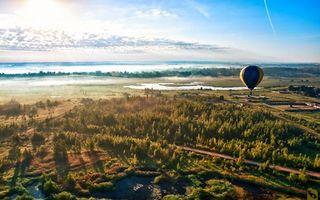 Фото бесплатно дорога, деревья, строения, река, море, воздушный шар, полет, вид сверху
