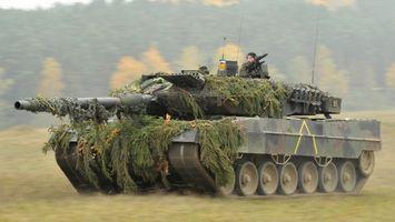 Фото бесплатно гусеницы, скорость, танк