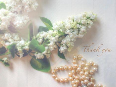 Фото бесплатно сирень, бусы, цветы