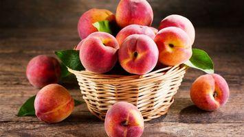 Бесплатные фото персики,листки,ведерко,стол