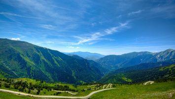 Бесплатные фото горы,дорога,трава,деревья,небо,облака
