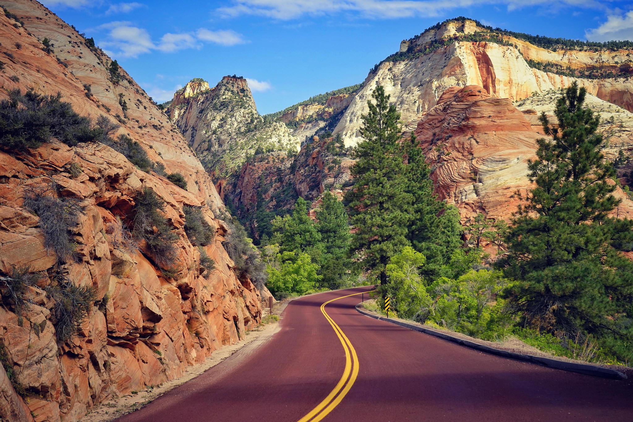обои горы, дорога, деревья, пейзаж картинки фото