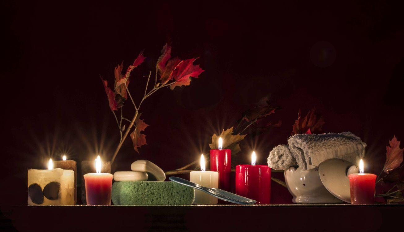 Фото бесплатно свечи, мыло, расчёска, мачалка, натюрморт, разное