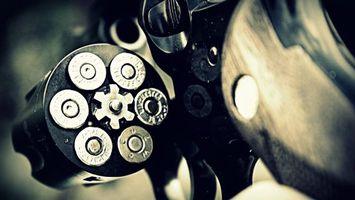 Фото бесплатно пистолет, револьвер, барабан, металл, патроны, ствол