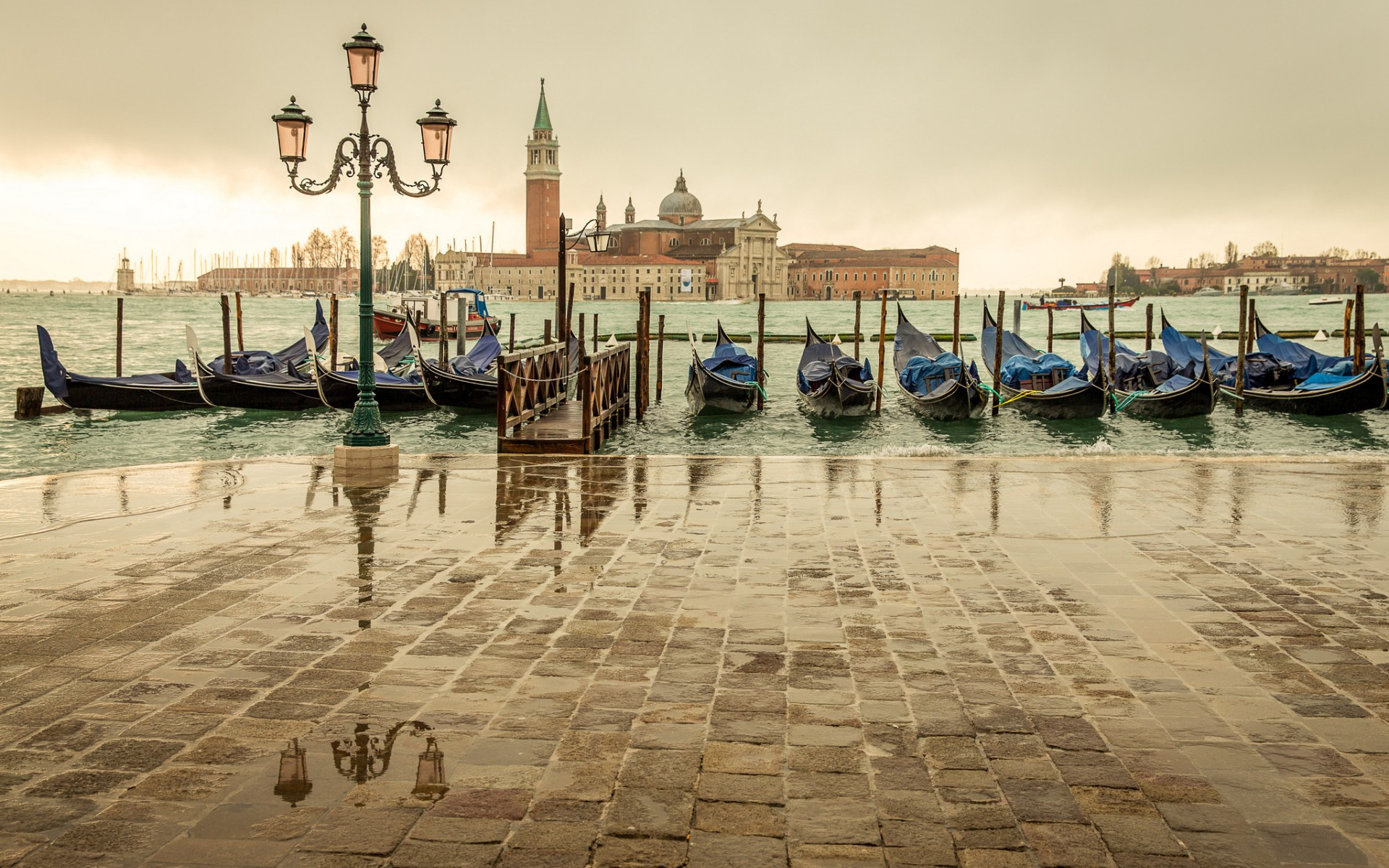 Венеция, набережная, фонарь