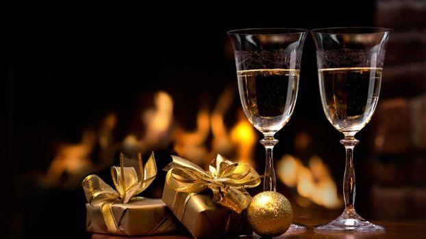 Фото бесплатно бокалы, подарки, новый год