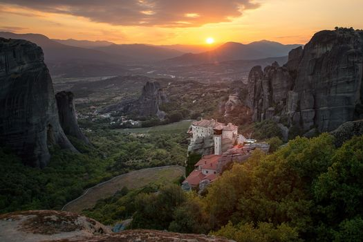 Скачать the monastery of rousanoust barbara, meteora с фото сайта fonwall