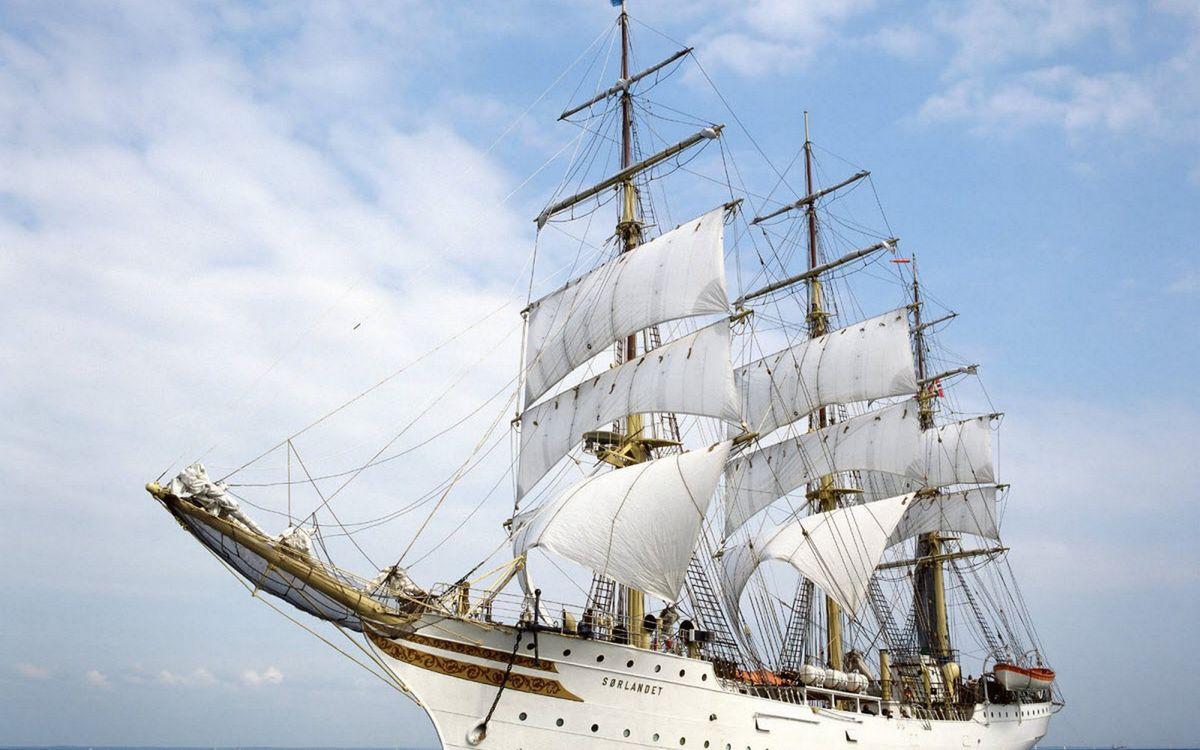 Фото бесплатно корабль, мачты, паруса, белые, небо, облака, корабли - скачать на рабочий стол