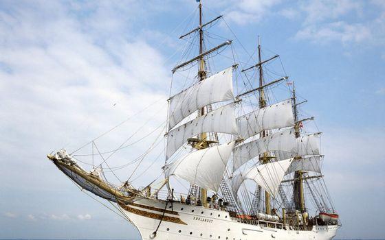 Photo free sails, masts, sky