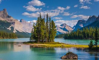 Photo free Lake Maligne, Jasper National Park, Alberta