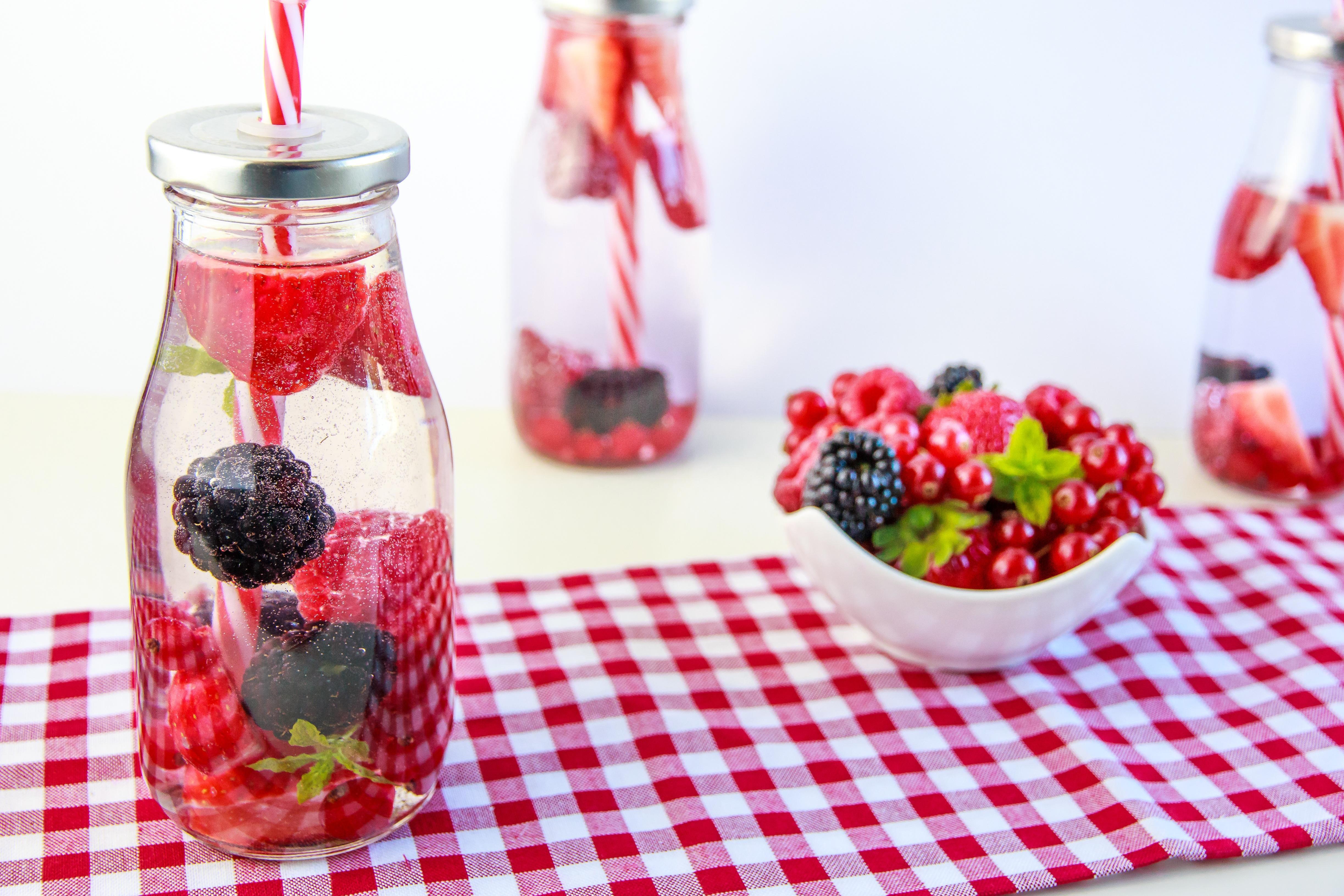 обои напиток, ягоды, клубника, ежевика картинки фото