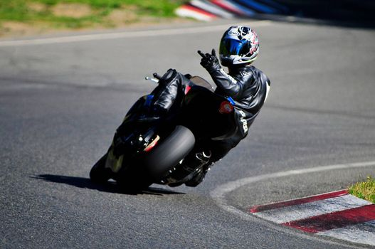 Фото бесплатно мотоциклист, трек, издевка