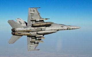 Бесплатные фото самолет,истребитель,полет,крылья,ракеты,вооружение