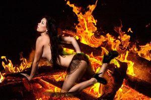Фото бесплатно огонь, девушка, модель