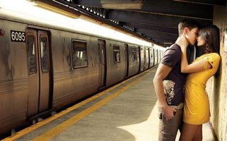 Бесплатные фото перон,поезд,вагоны,пара,девушка,парень,объятия