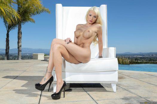 Фото бесплатно Настоящее имя - Бэйли Скай, Rikki Six, модель