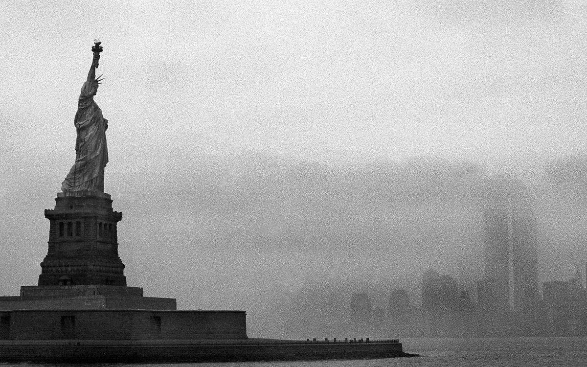 Фото бесплатно статуя свободы, достопримечательность, Нью-Йорк, фото, черно-белое, город