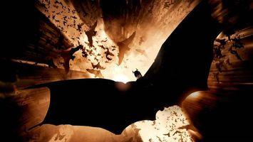 Бесплатные фото бэтмен,полет,крылья,дома,летучие мыши