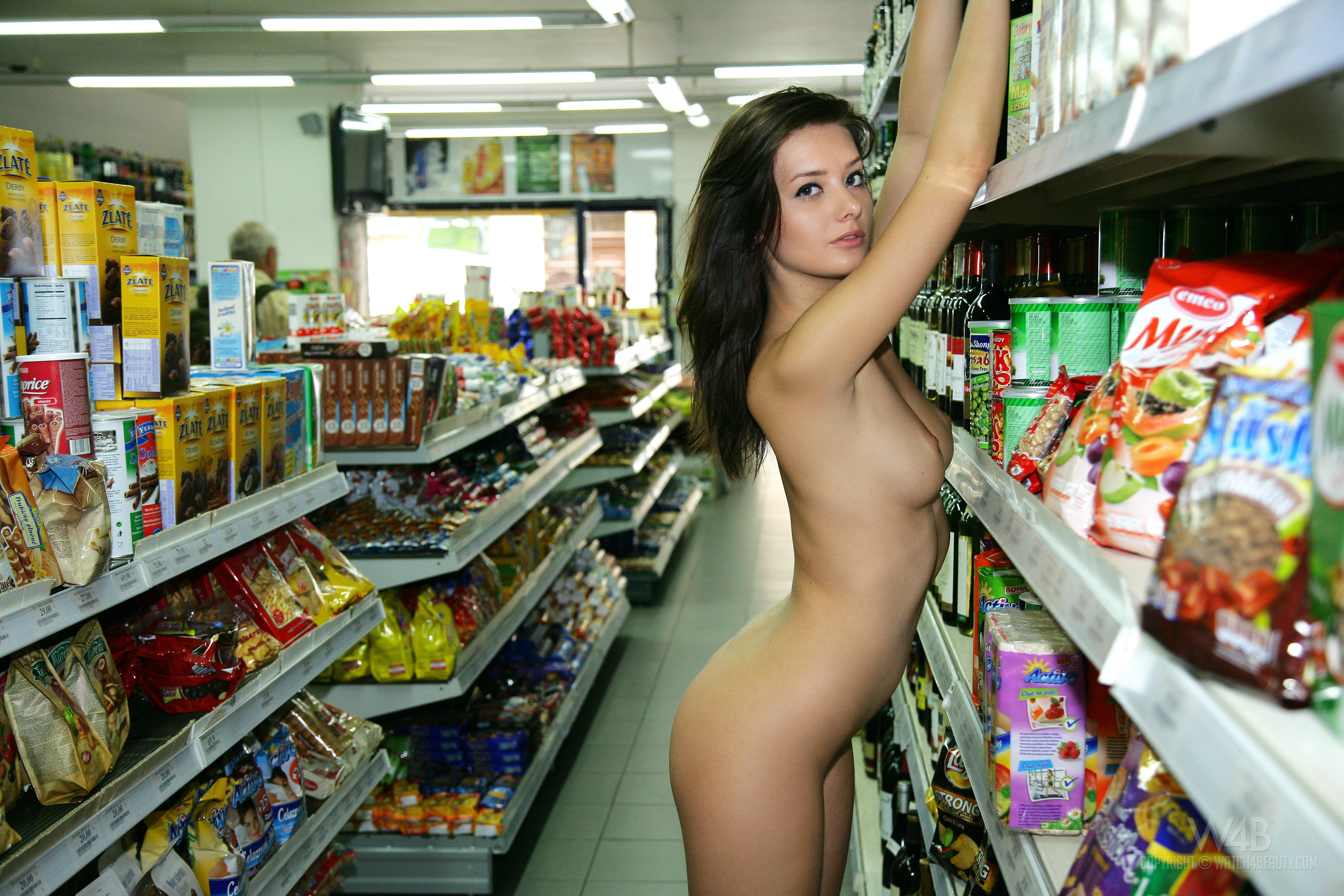 без трусиков пошла в гипермаркет очень трудно