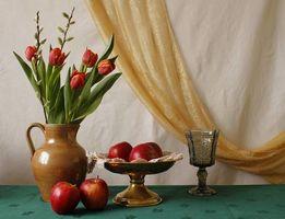 Обои ваза, цветы, тюльпаны, фрукты, яблоки, натюрморт