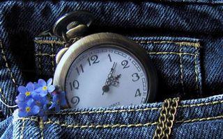 Бесплатные фото джинсы,карман,цветочки,цепочка,часы,циферблат,стрелки