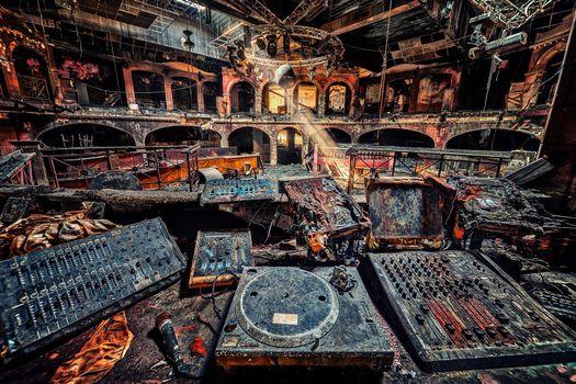 Фото бесплатно заброшенный ночной клуб, диджей, руины