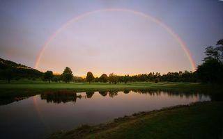 Бесплатные фото озеро,отражение,трава,деревья,небо,радуга