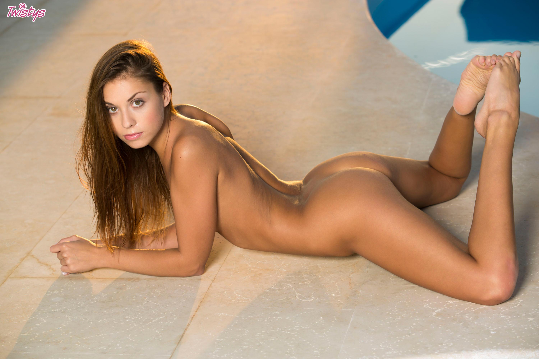 Фото голых брюнеток ню, порно ролики хуесоски смотреть онлайн
