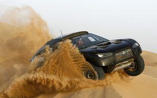 Бесплатные фото гонка,ралли,пустыня,песок,дюны,митсубиси,тюнинг