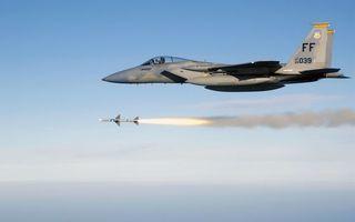 Фото бесплатно самолет, истребитель, кабина, пилот, крылья, полет, ракета, пуск