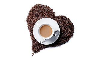 Бесплатные фото кофе,зерна,сердце,чашка,блюдце,ложечка